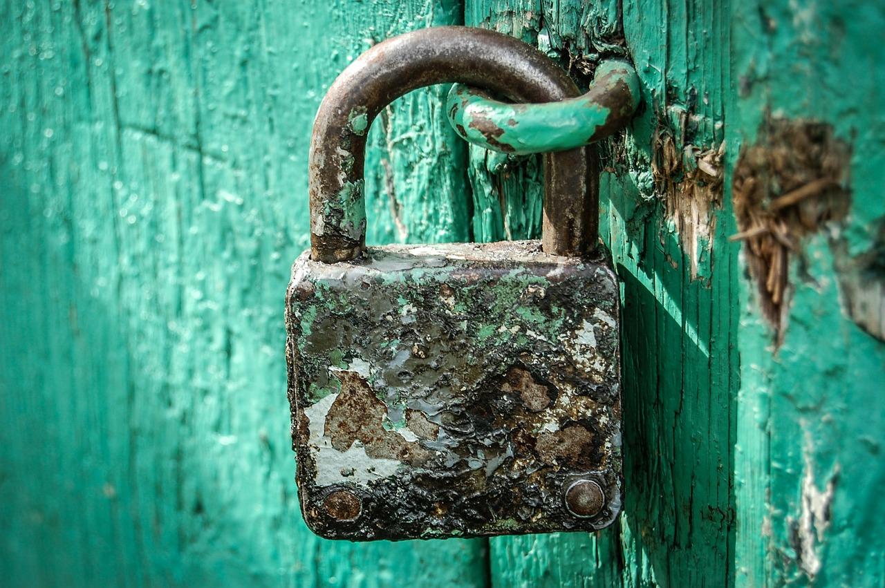 padlock, locked, secured-428549.jpg
